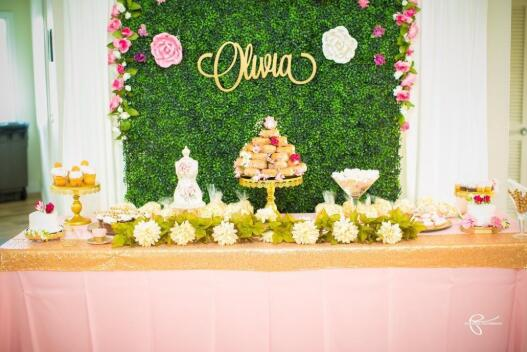 Artificial Boxwood Panels Event Decor Backdrop
